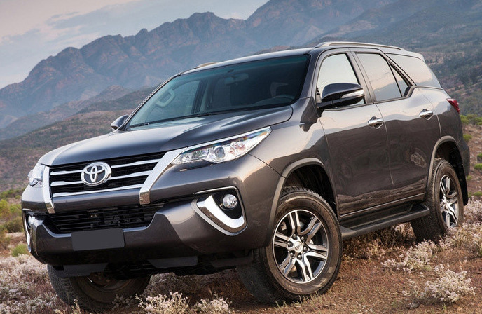 Cho Thue Xe 7 Cho Fortuner 3