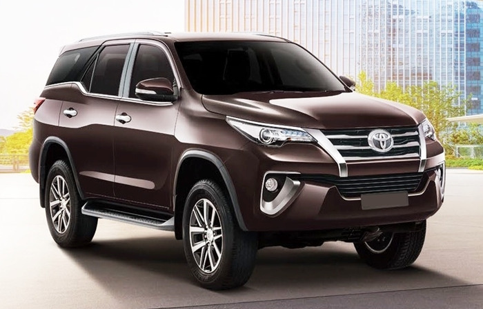 Cho Thue Xe 7 Cho Fortuner 4