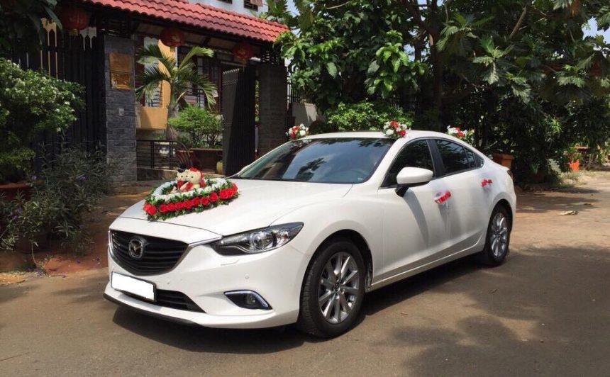 Mẫu xe cưới gam màu trắng được dâu rể yêu thích trong ngày trọng đại