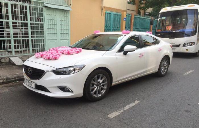Cho Thuue Xe Cuoi Mazda 6