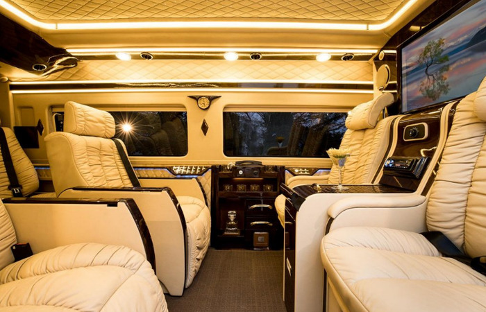 Cho Thue Xe Thang Limousine 2