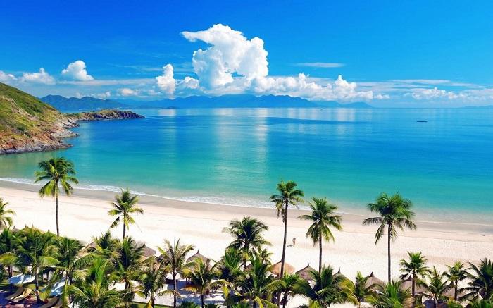 thuê xe du lịch 16 chỗ đi Nha Trang