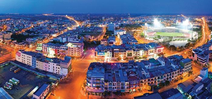 thuê xe du lịch 16 chỗ đi Tân An