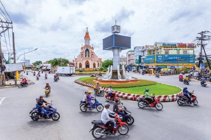 Thue Xe 16 Cho Di Hau Giang