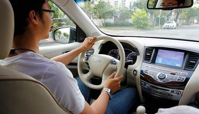 Thue Xe 4 Cho Tu Lai Theo Thang