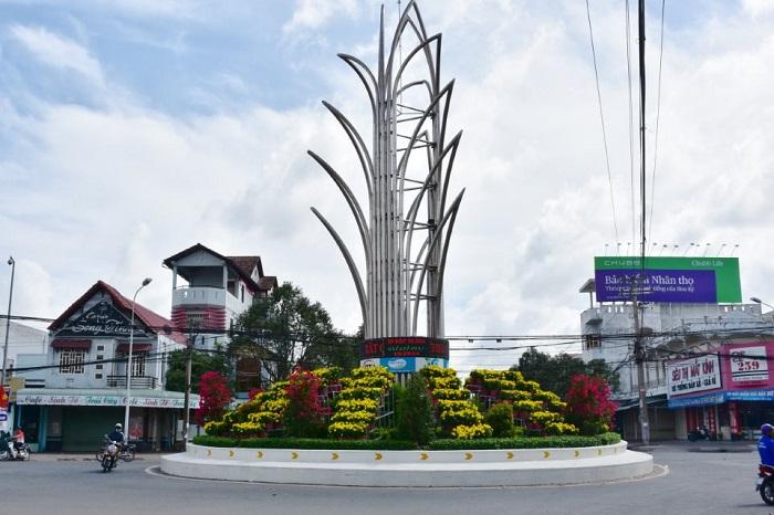 Thue Xe 7 Cho Di Soc Trang