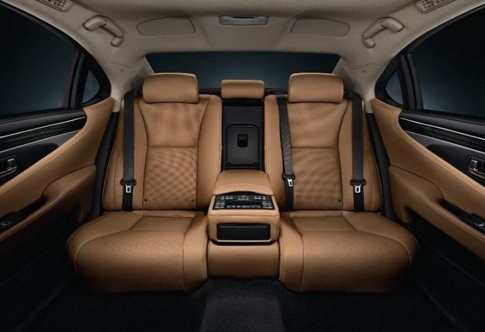 Cho Thue Xe Dcar Limousine 3