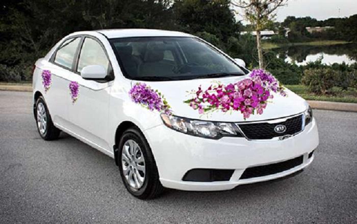 thuê xe hoa đám cưới màu trắng