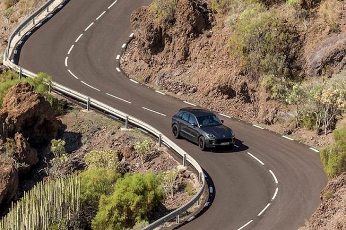 Lưu ý khi điều khiển xe trên đèo xuống dốc