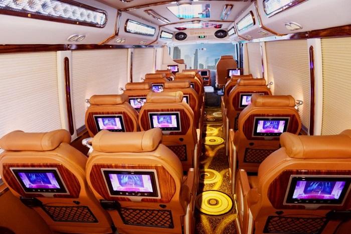 Huỳnh Gia-Dịch vụ chuyên cho thuê xe limousine 16 chỗ