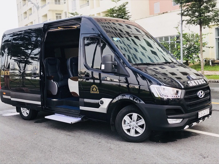 Thue Xe Limousine Du Lich Cho Nguoi Say Xe 1