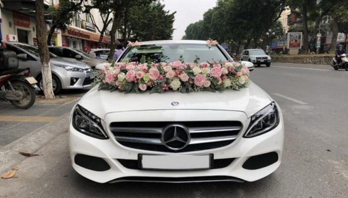 Cho Thue Xe Hoa Mercedes 1