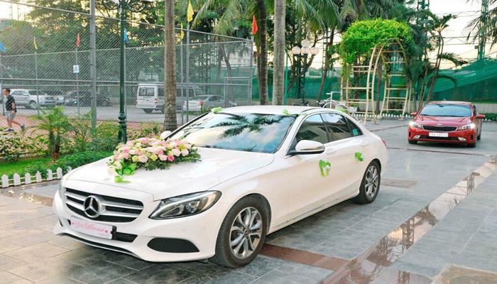 Cho Thue Xe Hoa Mercedes