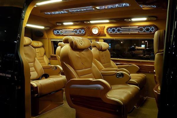 Thue Xe Limousine 9 Cho 1
