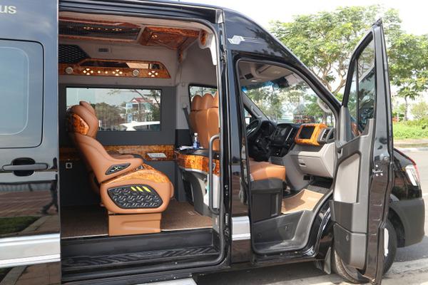 Thue Xe Limousine 9 Cho 2