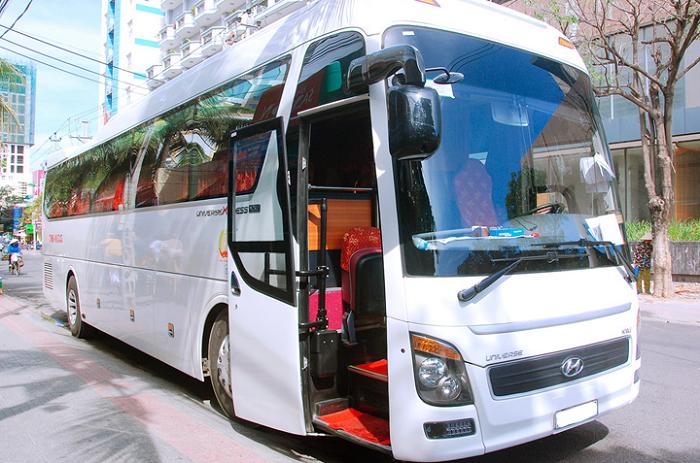 Thuê xe du lịch 45 chỗ đời mới