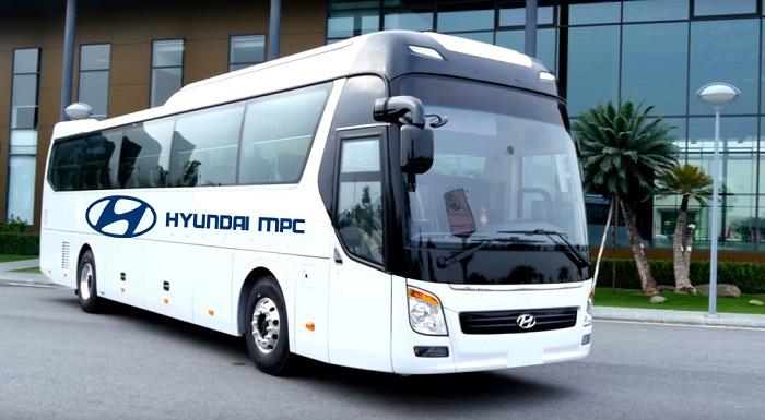 Mẫu xe khách Hyundai Universe 45 chỗ ngồi