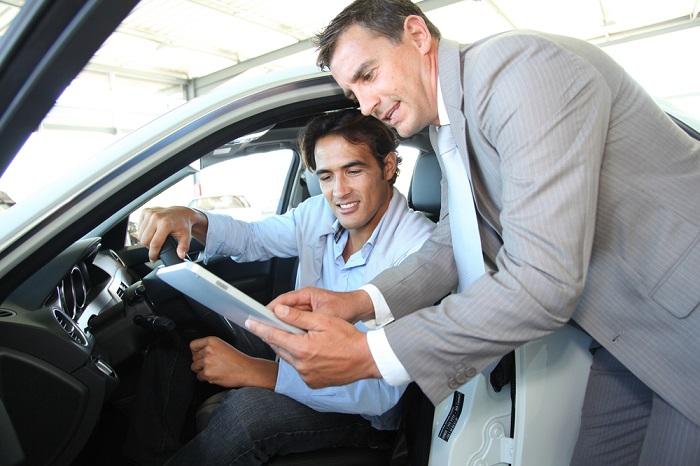 Thủ tục được nhân viên tư vấn kỹ lưỡng trước khi thuê xe