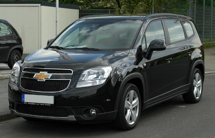 Thue Xe Chevrolet Orlando 1