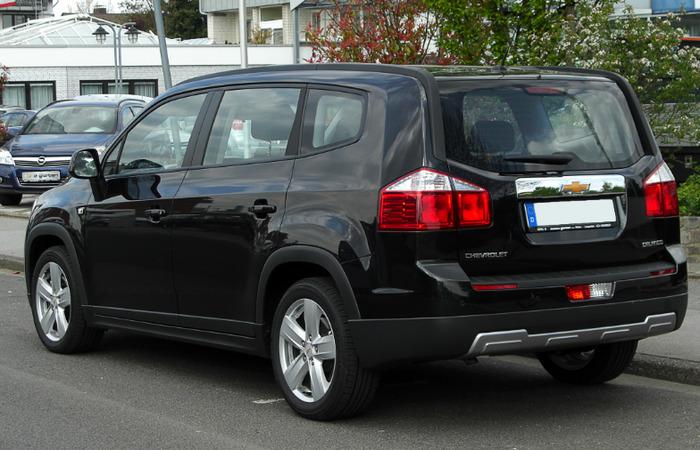 Thue Xe Chevrolet Orlando 2