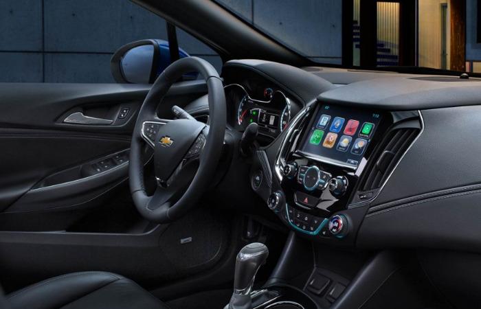 Thue Xe Chevrolet Orlando 3