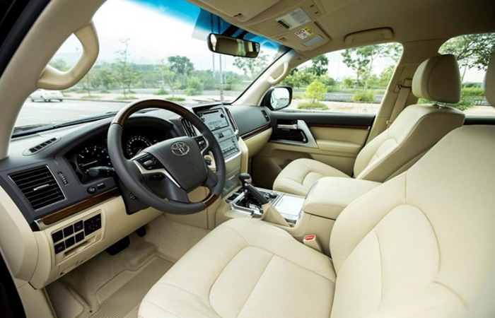 Thue Xe Toyota Land Cruiser 1