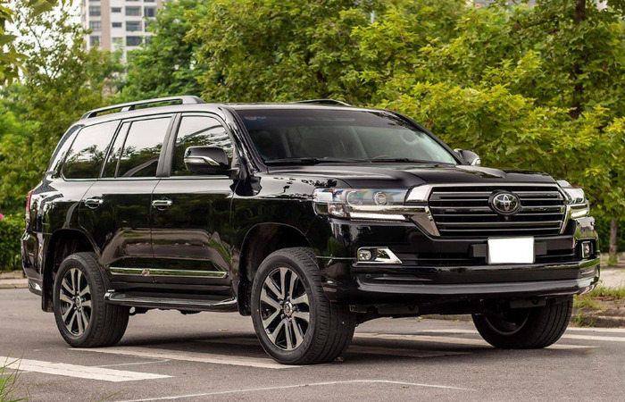 Thue Xe Toyota Land Cruiser 2