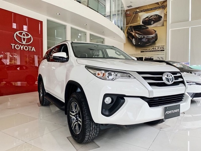 Thue Xe Toyota Fortuner 3