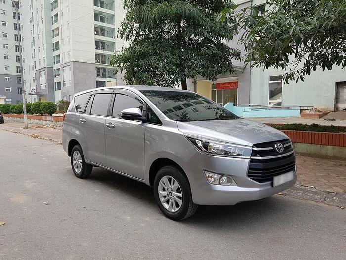 Thue Xe Toyota Innova 4