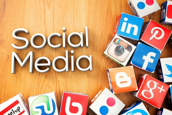 Tham khảo thông tin qua mạng xã hội